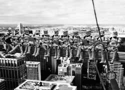DAVID EGER - Troopers' atop a Skyscraper